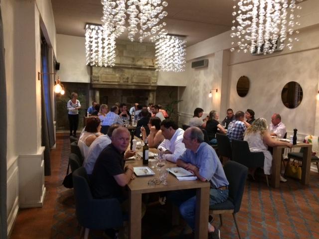 Sur La Terrasse Du Restaurant Le Dner A T Loccasion De Rencontrer Nouveaux Entrepreneurs Et Dchanger Cartes Visite Bonnes Pratiques